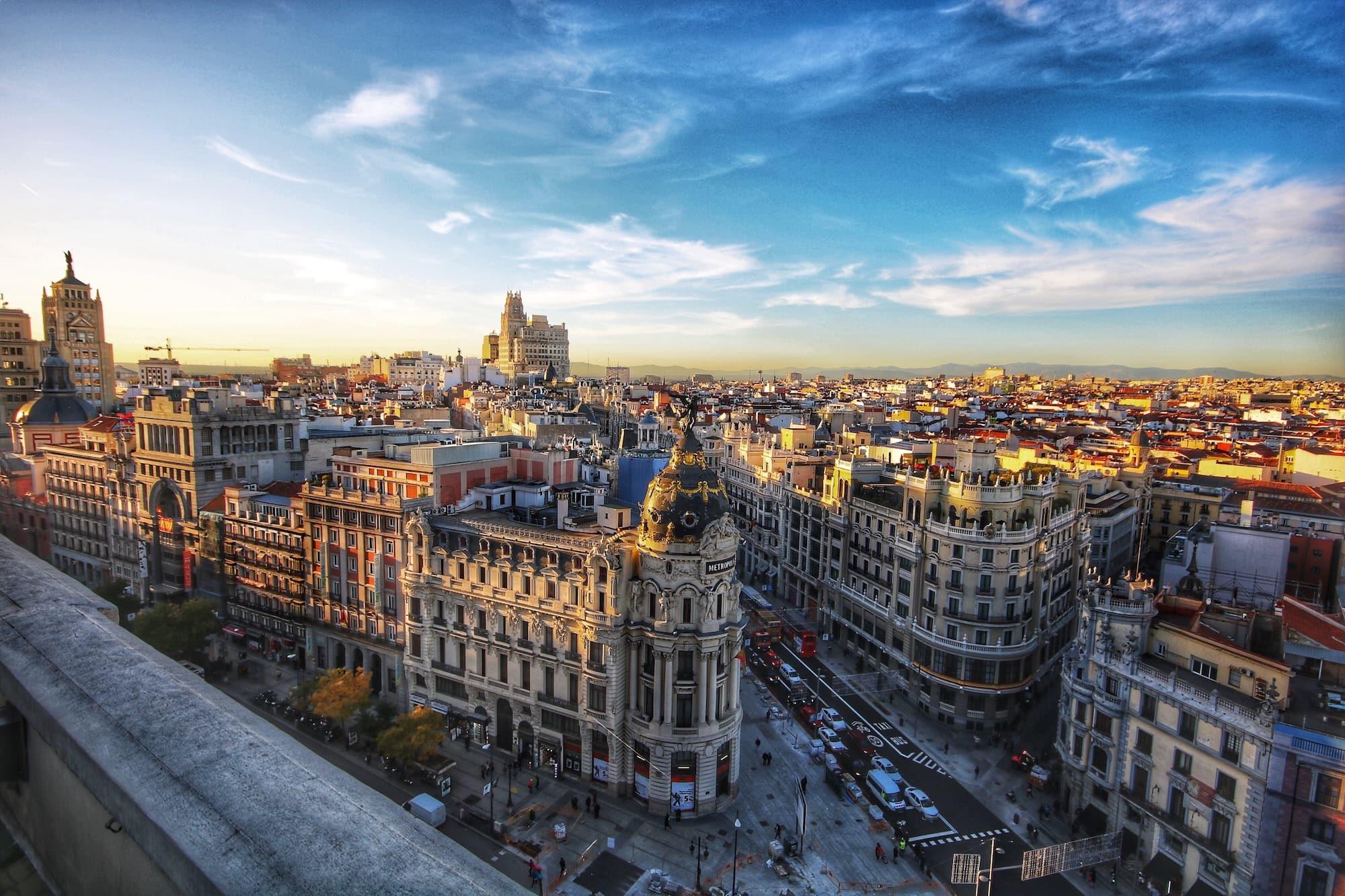 Panorámica de Gran vía madrileña (Madrid)